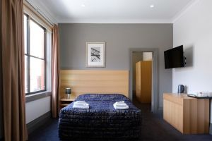Royal Exhibition Hotel - Accommodation Port Macquarie